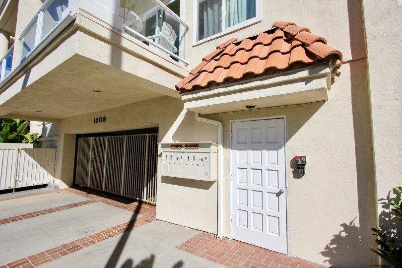 Denid Manor, Oceanside, California, brown roof, curved