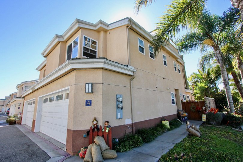 Fall decorations and garages at Eaton Court in Oceanside, CA