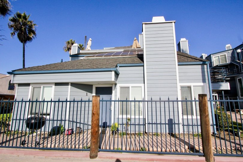 Wonderful fenced entry and front yard in Pacifica Strand, in the city of Oceanside, CA.