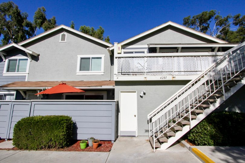 A quaint home located in a cozy neighborhood in Oceanside California