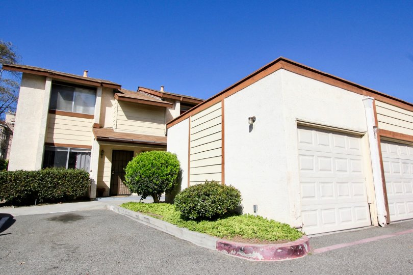 Oceanside Townhome with plenty of parking and garage space