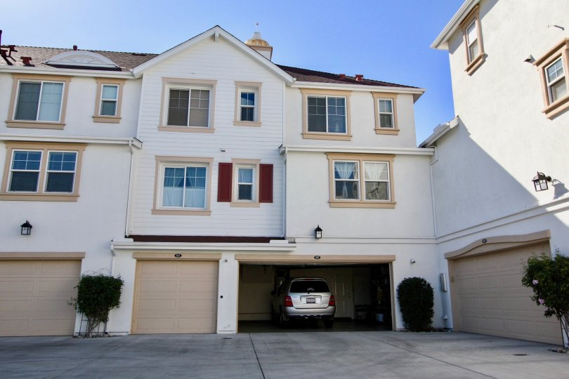 Windward Community in Oceanside, California, Lovely Complex with Large Garages