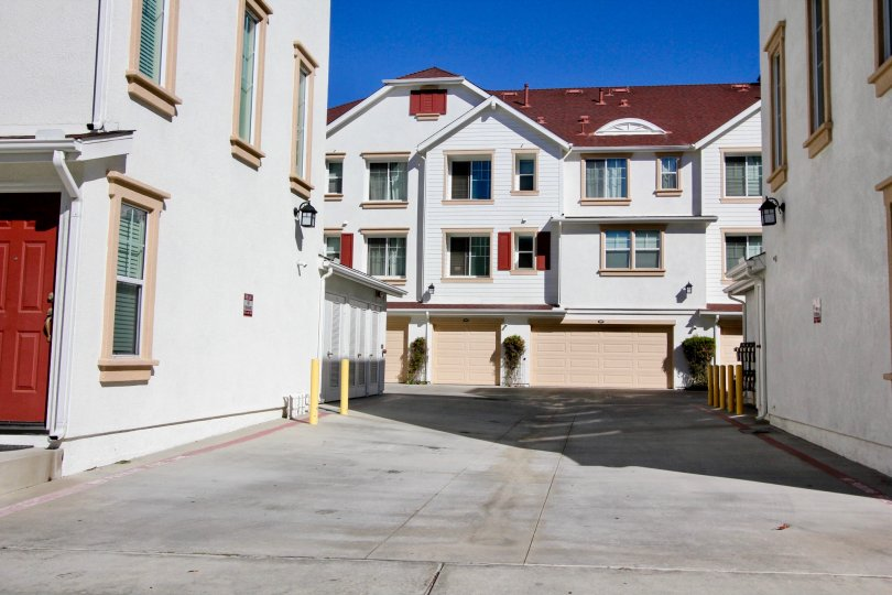 Windward Condos are located in the beach community of Oceanside, California. Windward is one of the newest communities built in 2006 in the downtwon area and offers modern town homes located in a secure gated neighborhood. Select condos in this community
