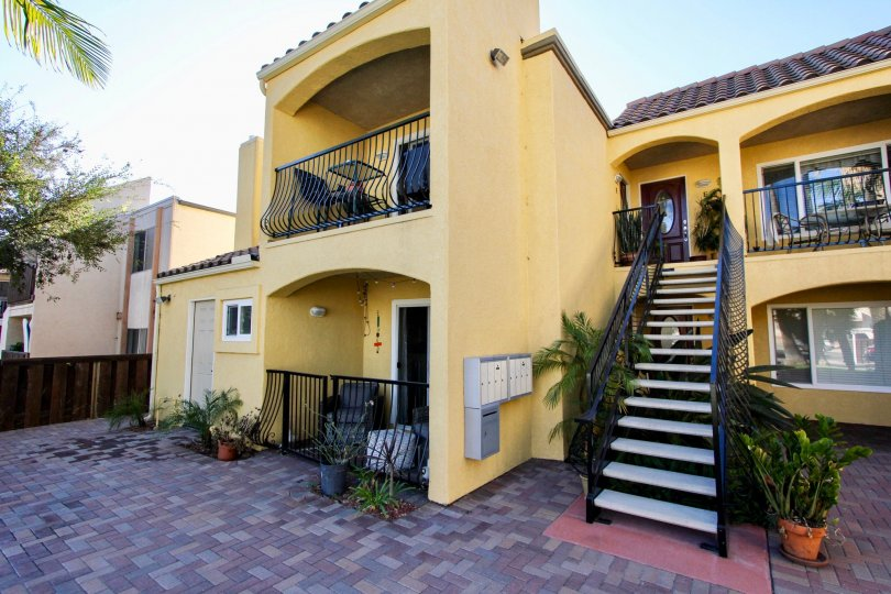 A sunny day in Pacific Beach California at 1915 Emerald apartments