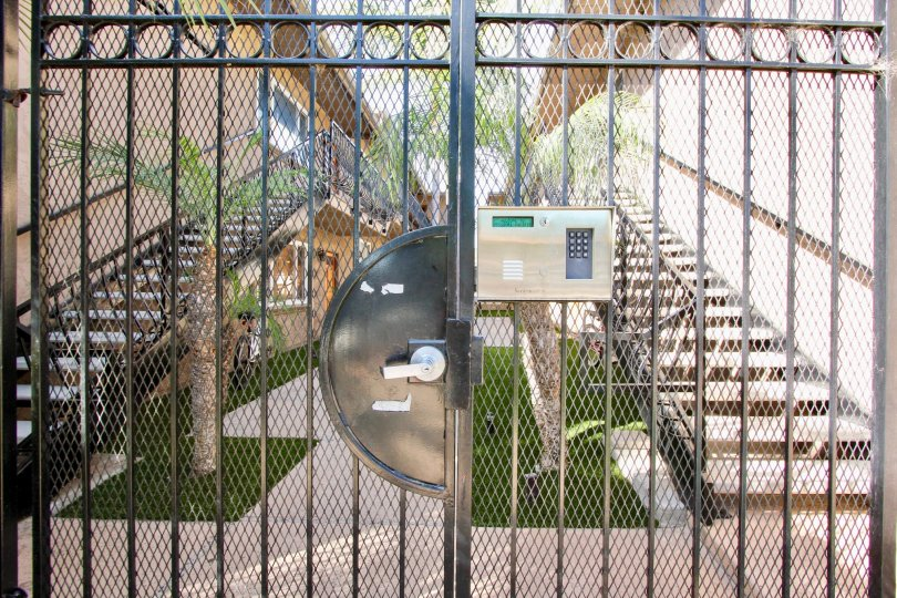A HOUSE WITH HIGH SECURITY, INSURING WITH DIGITAL LOCK