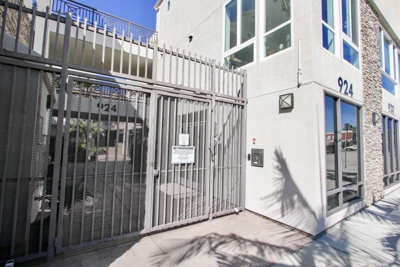 THE 924 APARTMENT IN THE PACIFIC BEACH SANDS WITH THE STEEL GATE, WINDOWS