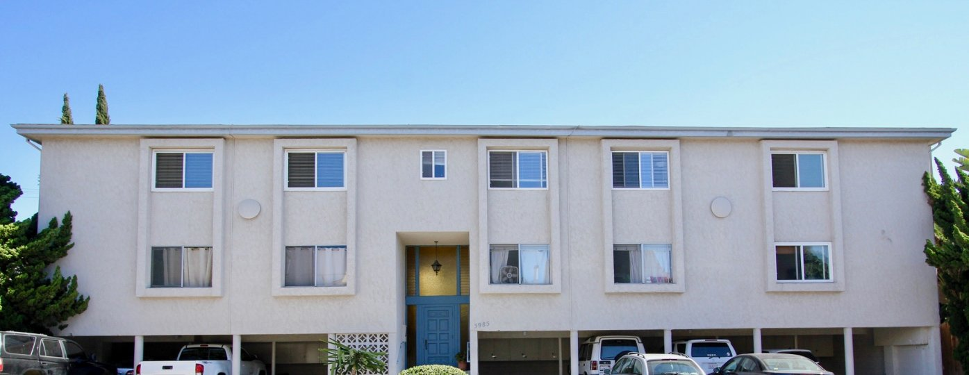 An apartment with parking place in Rivieran of Pacific Beach