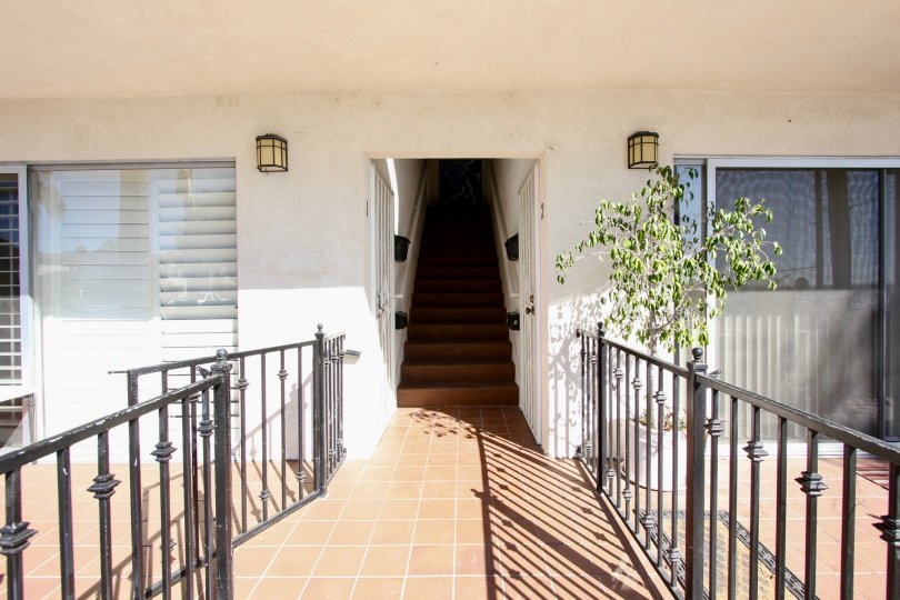 A sunny day with entrance view with modern fixtures in Rose Point of Pacific Beach
