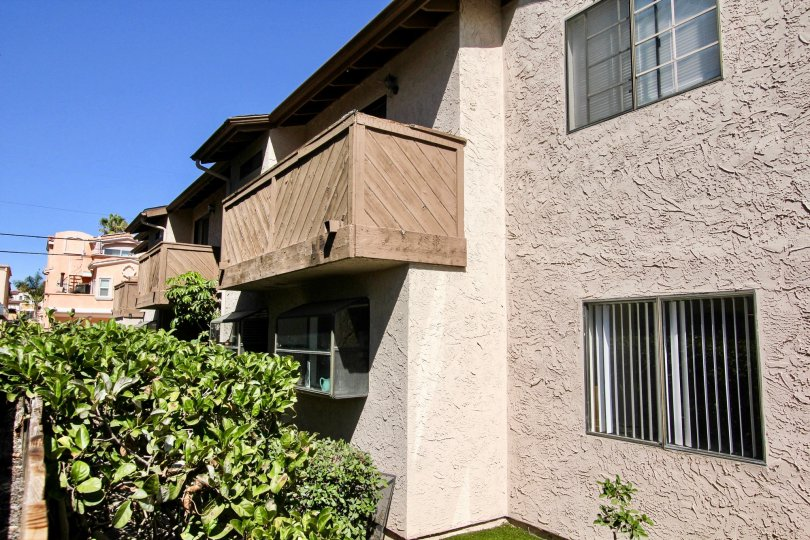 the seaburst townhomes box shaped house of the pacific beach city in ca