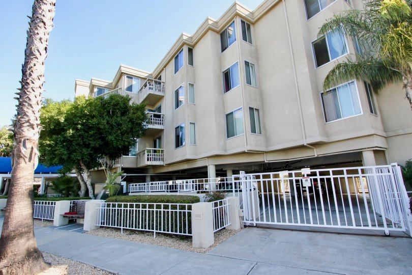 the shores at crown point is apartment of homes in pacific beach city in ca