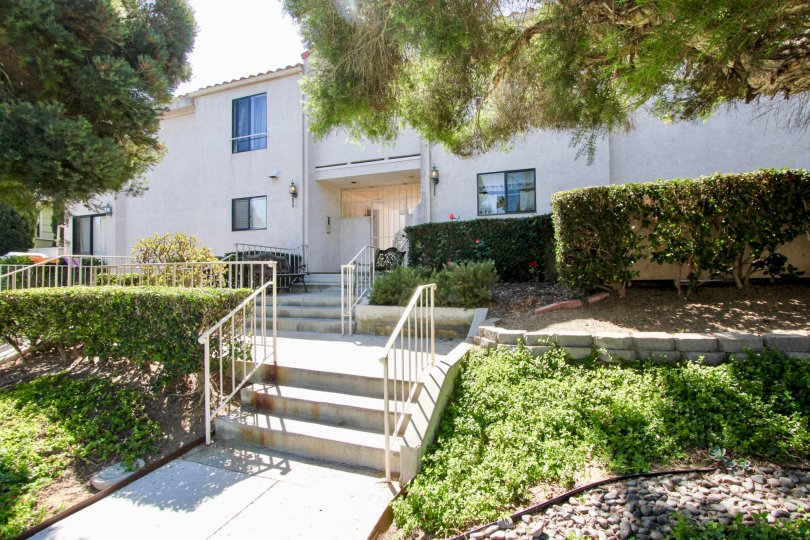 A scenic entry way to the Roseville Terrace apartments in Point Loma CA