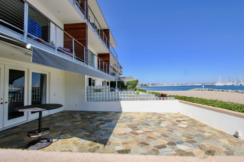 Large patio with unobstructed view of the harbour at Vista Del Bahia