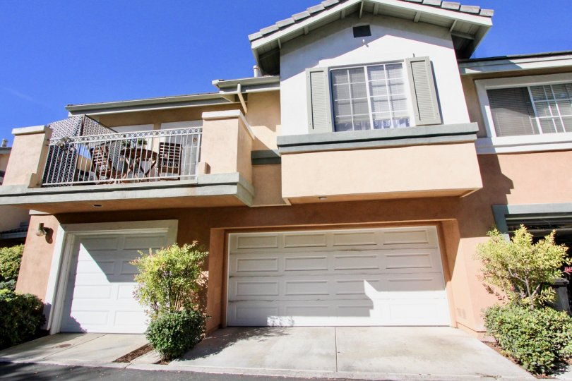 Great home with 2 garages and patio in Collage community of Rancho Bernardo, California