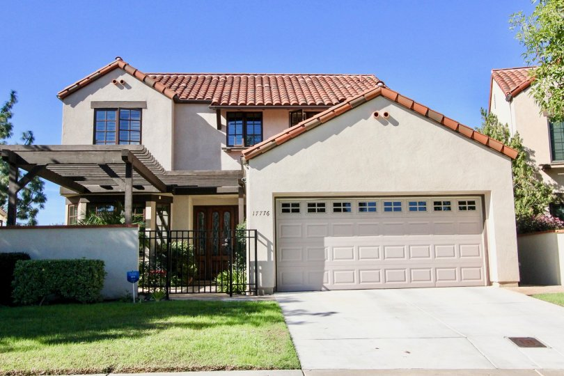 Housing with garage at Eastview in Rancho Bernardo CA