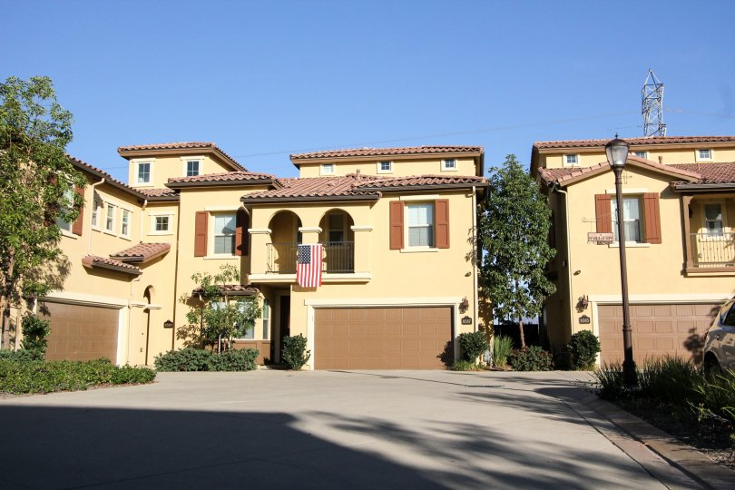 Large garage door on condo units in Mandolin II at Rancho Bernardo CA