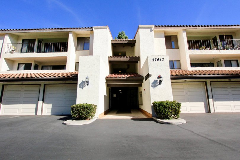 Oaks North Village, City: Rancho Bernardo, backside of the building with beautiful balconies
