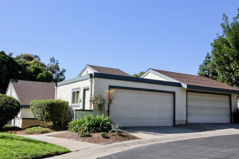 Single story garages in Vallecitos Townhomes at San Marcos CA