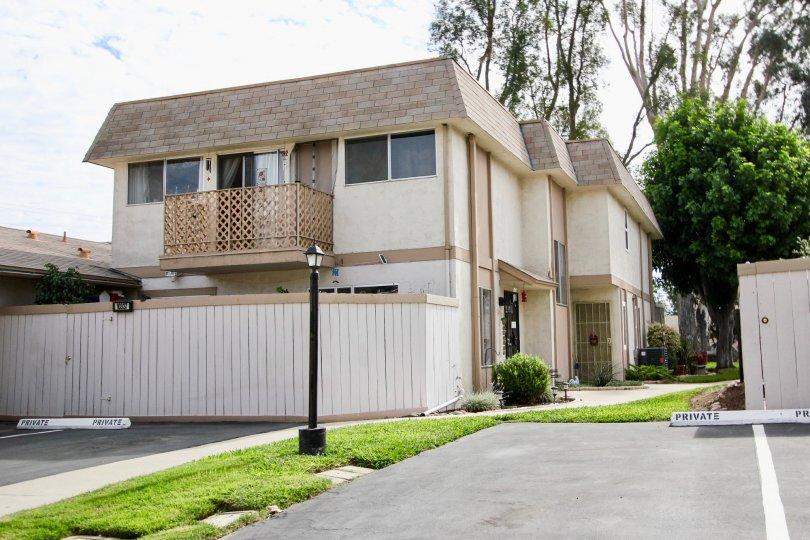 Santana Ranch  ,Santee ,California, tree,white building,lamp post