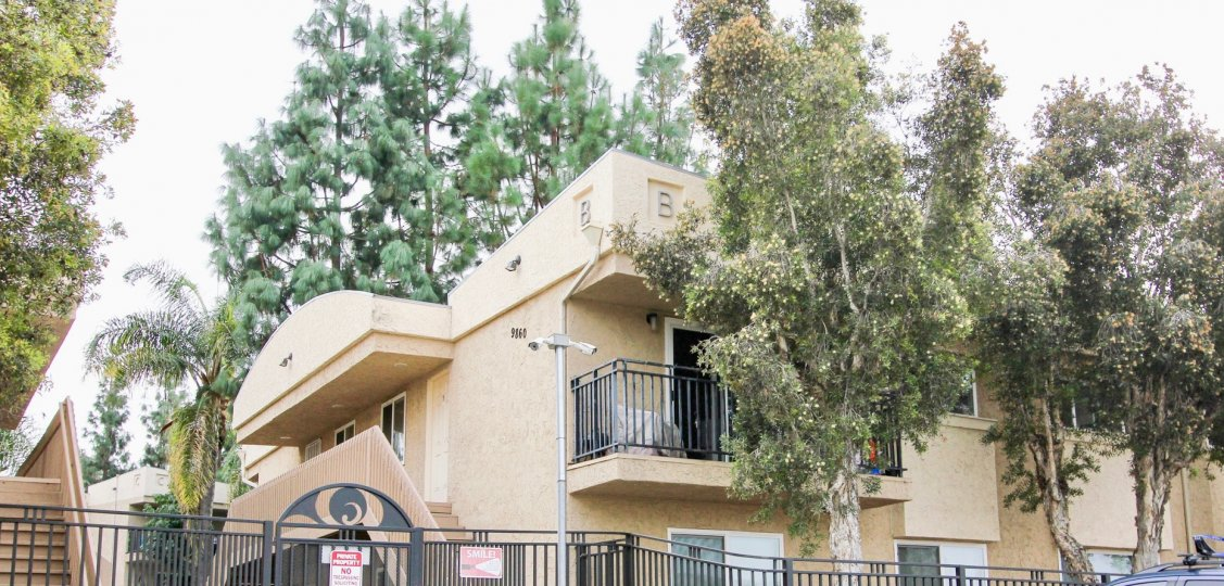 Helix De Oro  ,Spring Valley , California,beige building,balcony