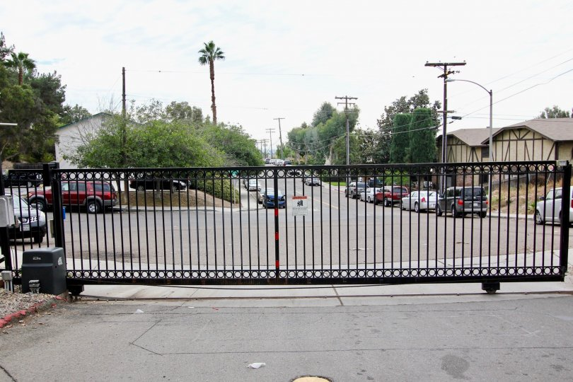 Hidden Valley  ,: Spring Valley  ,: California, black gate,electric post