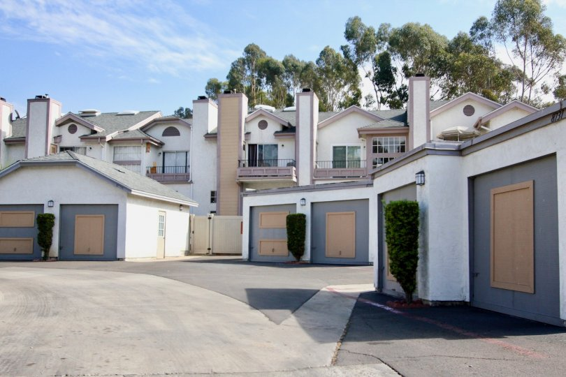 A few big family homes in Spring Canyon of Spring Valley California