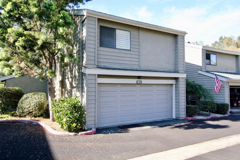 A beautiful town home with double garage at the Durian Place Townhomes in Vista, CA