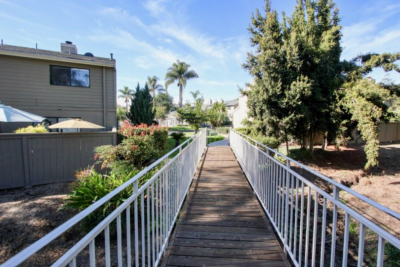 Durian Place Townhomes , Vista ,: California, blue sky,trees