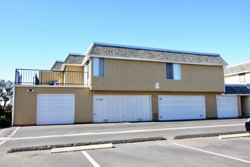 Newly paint apartment in Vista Park Villas Vista California