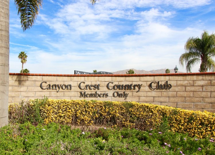 Marquee for Canyon Crest Country Club in Riverside Ca