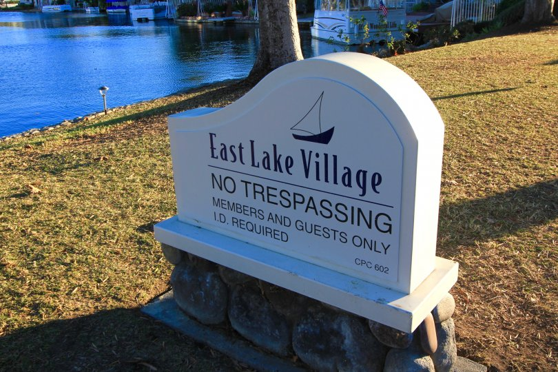 "A ""no tresspassing"" sign located within the East Lake Shores community"