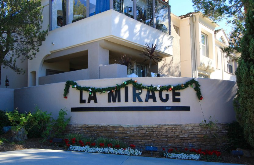 The entrance to La Mirage in Aliso Viejo