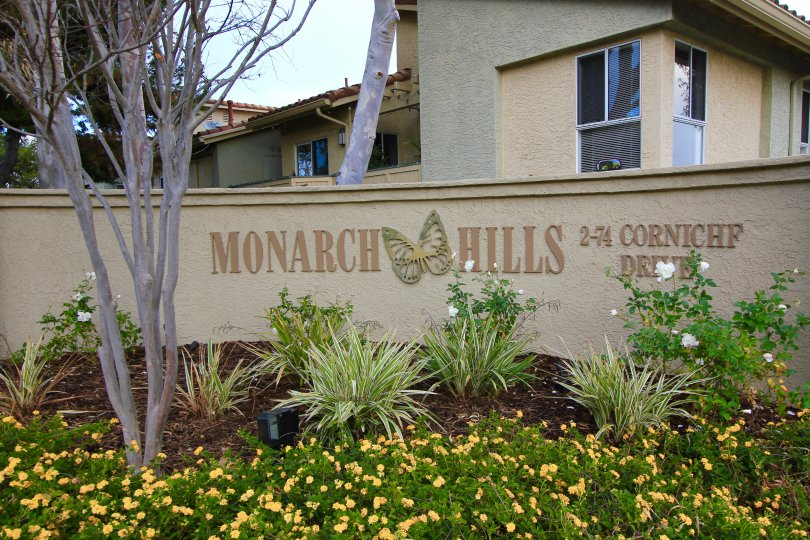 Well Lit sign letting residents of Monarch Hills know they are home