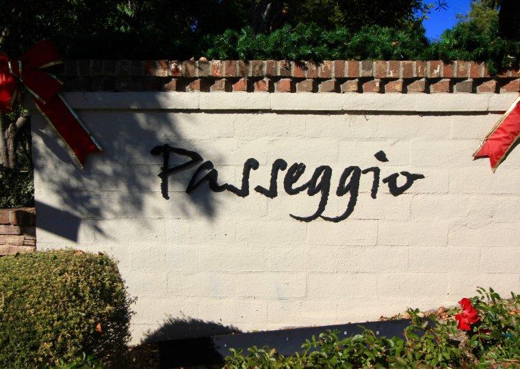 Sign at the entrance of Passeggio in Aliso Viejo