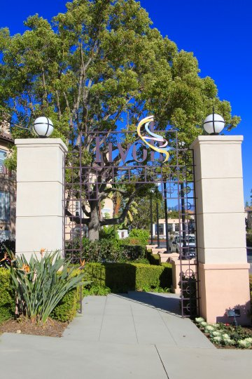 Entrance to the community of Tivoli in Aliso Viejo