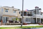 Beach homes in Naples Long Beach