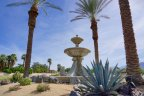 An impressive fountain at the entrance of Villaggio on Sinatra