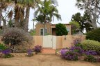 Small cozy house with beautiful plantation is located in Encinitas Highlands